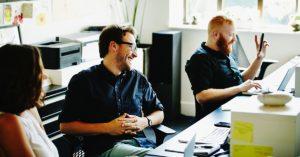 Quais as vantagens de ter colaboradores satisfeitos na empresa?